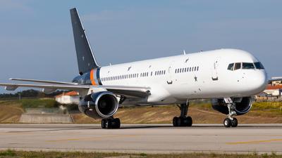 A picture of GPOWH - Boeing 757256 - Titan Airways - © Carlos Miguel Seabra