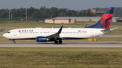 A picture of N3740C - Boeing 737832 - Delta Air Lines - © Yixin Chen