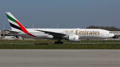 A picture of A6EWB - Boeing 77721H(LR) - Emirates - © Edgar Nunes