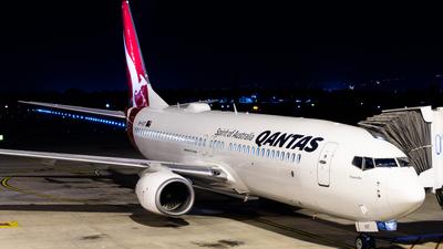 VH-VXT - Boeing 737-838 - Qantas