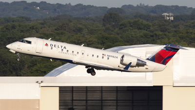 A picture of N8982A - Mitsubishi CRJ200LR - Delta Air Lines - © Andrew Pries