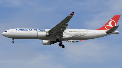 TC-JNZ - Airbus A330-303 - Turkish Airlines