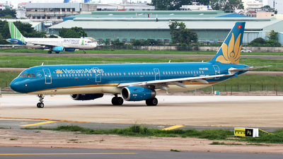 VN-A326 - Airbus A321-231 - Vietnam Airlines