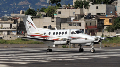 TG-FYL - Beechcraft 200 Super King Air - Private