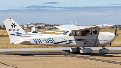 VH-USL - Cessna 172S Skyhawk SP - Aerostar Aviation