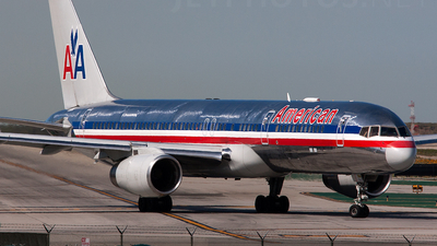 A picture of N608AA - Boeing 757223 - [27446] - © Alex Brodkey