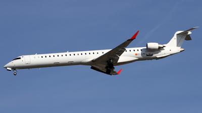A picture of ECLPG - Mitsubishi CRJ1000 - Iberia - © Alfonso Solis