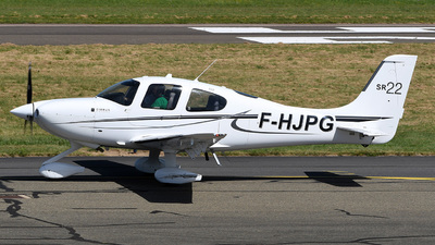 A picture of FHJPG - Cirrrus SR22 - [3934] - © bruno muthelet