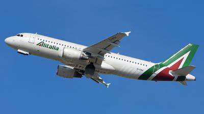 A picture of EIDSV - Airbus A320216 - Alitalia - © Luca Cesati
