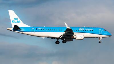 A picture of PHEZR - Embraer E190STD - KLM - © Wilko Doodhagen