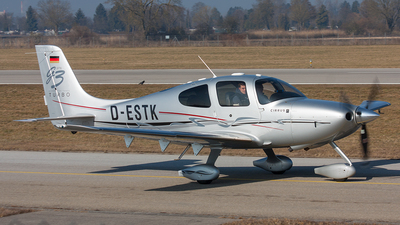 D-ESTK - Cirrus SR22 - Private