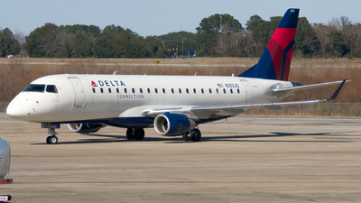 A picture of N202JQ - Embraer E175LR - Delta Air Lines - © Devin R