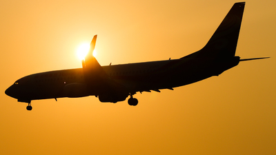 B-1725 - Boeing 737-84P - Hainan Airlines