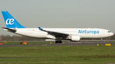 A picture of ECJZL - Airbus A330202 - [0814] - © Julian Maas
