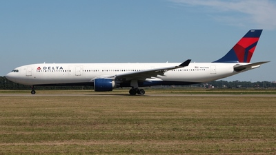 N807NW - Airbus A330-323 - Delta Air Lines