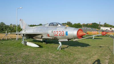0220 - Mikoyan-Gurevich MiG-21F-13 Fishbed C - Hungary - Air Force