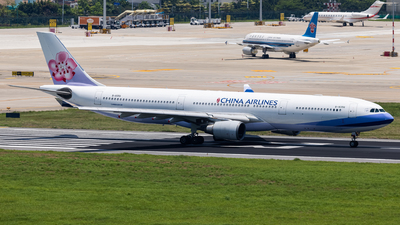 A picture of B18356 - Airbus A330302 - China Airlines - © MAJOREDM