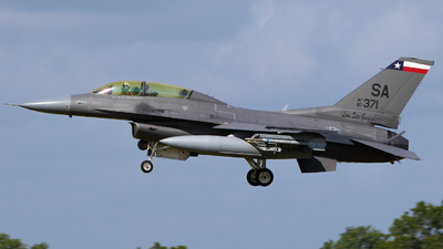 87-0371 - General Dynamics F-16D Fighting Falcon - United States - US Air Force (USAF)