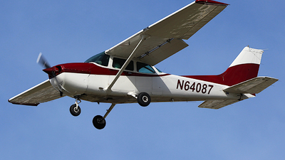 N64087 - Cessna 172P Skyhawk - California Airways Flight School