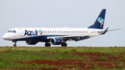 A picture of PRAXT - Embraer E195AR - Azul Linhas Aereas - © Rogério A. Avelino