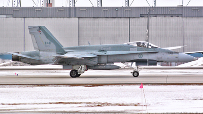 188747 - McDonnell Douglas CF-188 Hornet - Canada - Royal Air Force
