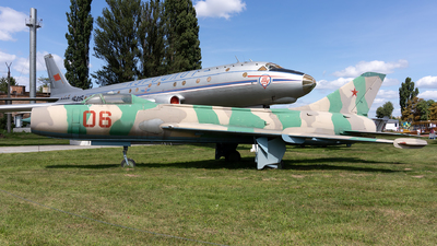06 - Sukhoi Su-7BM Fitter A - Soviet Union - Air Force