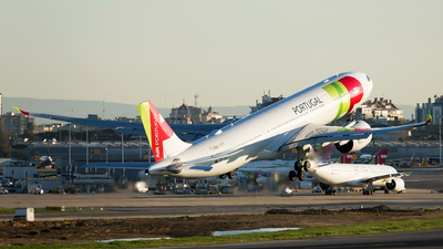 CS-TUJ - Airbus A330-941 - TAP Air Portugal