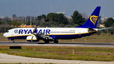 A picture of 9HQEB - Boeing 7378AS - Ryanair - © Pampillonia Francesco - Plane Spotters Bari