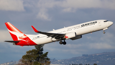 A picture of VHXZB - Boeing 737838 - Qantas - © Cameron Matthews