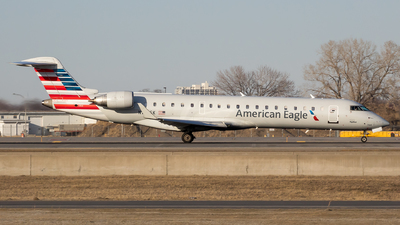 A picture of N744SK - Mitsubishi CRJ701ER - American Airlines - © Stephen J Stein