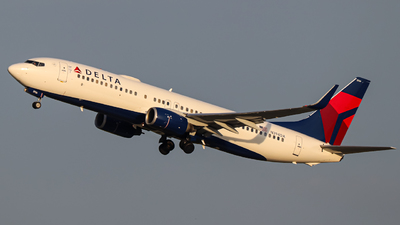 A picture of N394DA - Boeing 737832 - Delta Air Lines - © Kass Betas