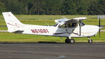 A picture of N61681 - Cessna 172S Skyhawk SP - [172S10640] - © Orlando Suarez