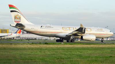 A6-EYU - Airbus A330-243 - Etihad Airways