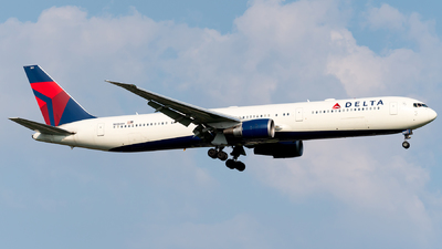 A picture of N835MH - Boeing 767432(ER) - Delta Air Lines - © Luis Bastardo
