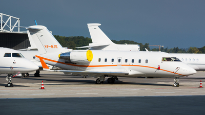 VP-BJE - Bombardier CL-600-2B16 Challenger 604 - Private