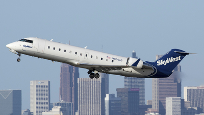 A picture of N866AS - Mitsubishi CRJ200ER - SkyWest Airlines - © Nick West