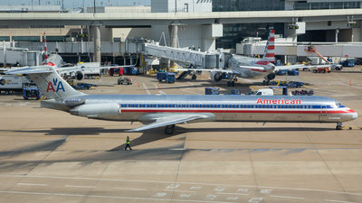 N70425 - McDonnell Douglas MD-82 - American Airlines