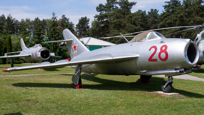28 - Mikoyan-Gurevich MiG-17 Fresco - Soviet Union - Air Force