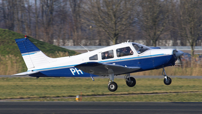 A picture of PHUGS - Piper PA28161 - [287916340] - © BaszB