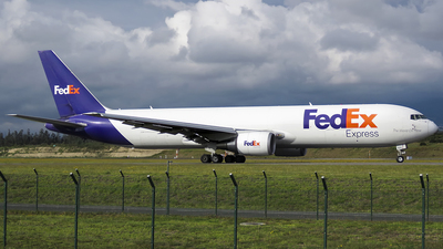 A picture of N104FE - Boeing 7673S2F(ER) - FedEx - © Diogo Da Conceição