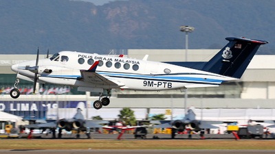 A picture of 9MPTB - Beech B300 Super King Air B350 - [FL593] - © lihutao