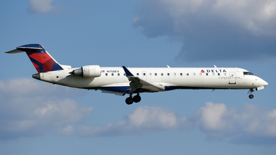 N758EV - Bombardier CRJ-701 - Delta Connection (ExpressJet Airlines)