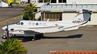 A picture of N239TT - Beech 300 Super King Air - [FA114] - © Kenneth Mora Flores