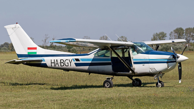 HA-BGY - Cessna 182Q Skylane II - Private