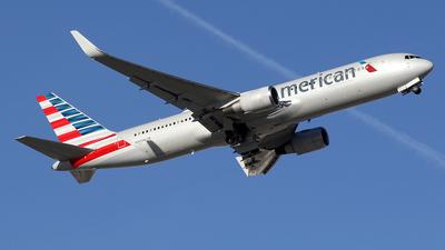 A picture of N350AN - Boeing 767323(ER) - [33089] - © BizavMen