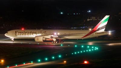 A6-EBT - Boeing 777-31HER - Emirates