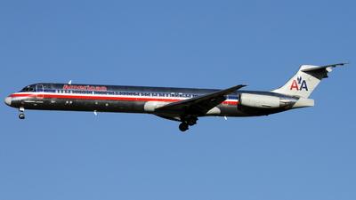 A picture of N564AA - McDonnell Douglas MD83 - [49346] - © Daniel Schwinn