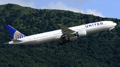 A picture of N2142U - Boeing 777322(ER) - United Airlines - © Alvin Ho - AHKGAP