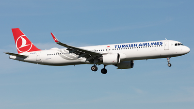 A picture of TCLSM - Airbus A321271NX - Turkish Airlines - © Stefan Kronqvist