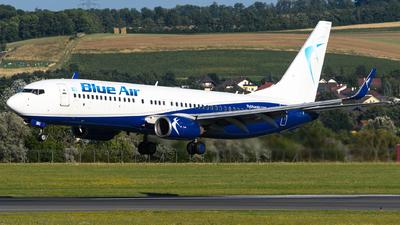 YR-BMG - Boeing 737-86N - Blue Air